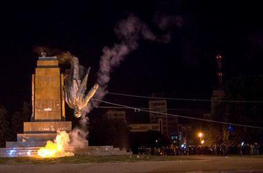 Харьковчане на месте Ленина хотят видеть фонтан или памятник воину
