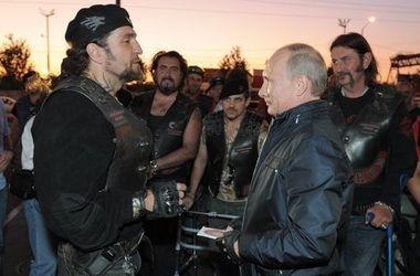 """СБУ обвинила """"кремлевского"""" байкера """"Хирурга"""" в финансировании боевиков"""