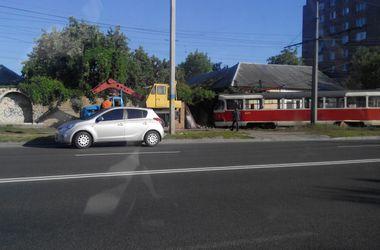 В Харькове трамвай врезался в жилой дом