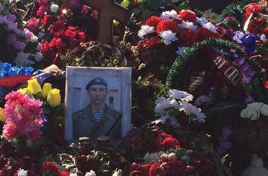 """Мать погибшего на Донбассе российского спецназовца: """"Мне просто привезли тело"""""""