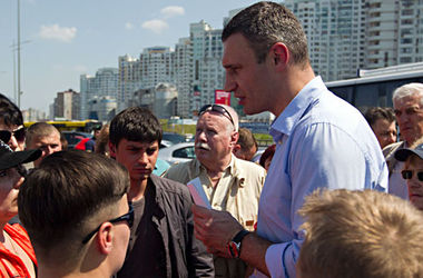 Начальник милиции Киева попросил Кличко разобраться со скандальными застройками