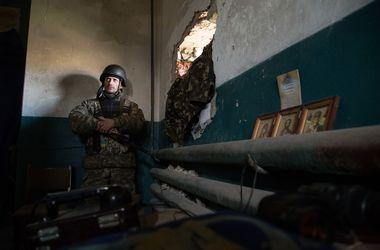 Боевики стреляют всем, чем можно - военные