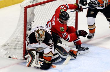 """Плей-офф НХЛ: """"Анахайм"""" вышел вперед в серии с """"Чикаго"""""""