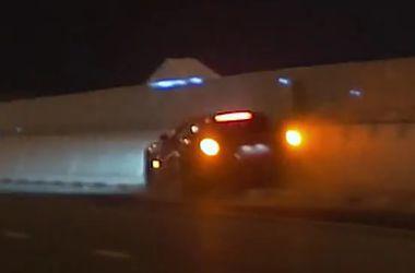 Лихач разбил суперкар Ferrari F12 Berlinetta в Дубае