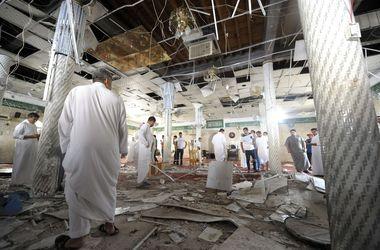 В Саудовской Аравии смертник взорвал мечеть: не менее 30 человек погибли