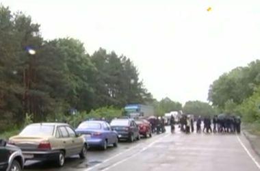 """Волынские шахтеры снова перекрыли трассу """"Ковель-Львов"""""""