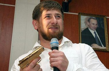 Путин вручил Кадырову орден Почета