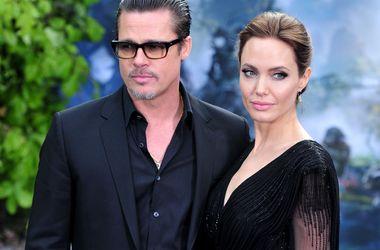 Джоли и Питт лишатся личного пляжа из-за экологической катастрофы