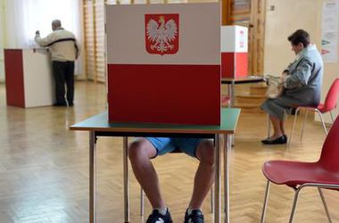 Поляки неохотно выбирают нового президента – явка пока ниже 20%