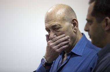 Экс-премьера Израиля приговорили к тюремному заключению