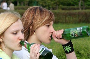 Украинские подростки курят, пьют и жалуются на здоровье - ЮНИСЕФ ...