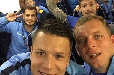 """Футболисты """"Днепра"""" возвращаются домой в хорошем настроении"""