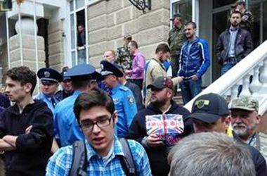 Во время потасовки в центре Одессы ранили охранника - милиция
