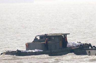 Пассажирское судно с четырмя сотнями пассажиров затонуло в Китае