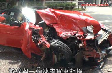 В сети появились фото аварии суперкара Ferrari 599 GTB, разбившегося в Гонконге