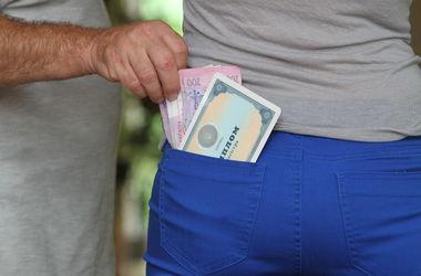 Как выиграть битву за диплом как вести себя на защите Нужно  В Харькове за деньги обещают сделать диплом который невозможно отличить от настоящего