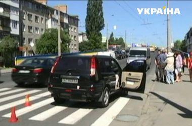 В Луцке под колесами авто погибла школьница