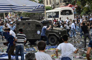 В Турции в результате теракта пострадали 153 человека, двое погибли