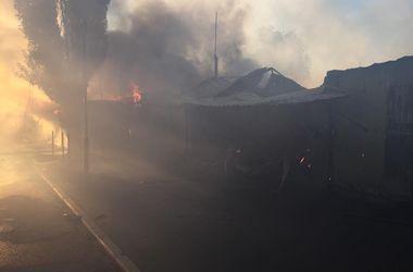 """Жители Донецка: """"Снаряды рвались, а на рынке шла торговля"""""""