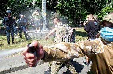 """Количество пострадавших милиционеров во время столкновений на """"Марше равенства"""" возросло"""