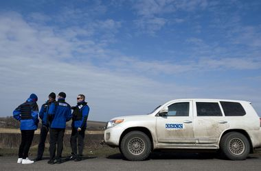 В районе Счастья под минометный обстрел попали наблюдатели ОБСЕ