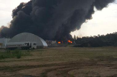 Во время взрыва на нефтебазе под Киевом погибли пожарные - Аваков