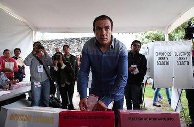 Бывший футболист Куаутемок Бланко побеждает на выборах в мэры мексиканского города