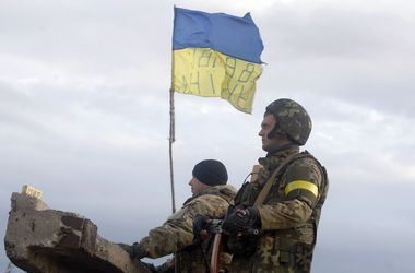 Вводить военное положение в Украине очень дорого - эксперт