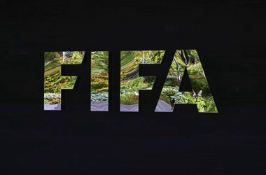 Европарламент поддержал резолюцию о возможном переносе чемпионатов мира в России и Катаре