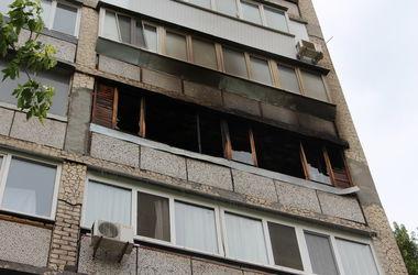 Из-за упавшего на балкон окурка в Киеве загорелась квартира, погиб пенсионер