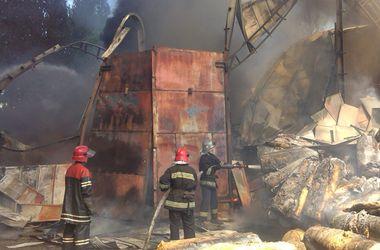 Масштабный пожар в Броварах тушили более трех часов