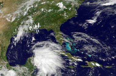 """На Мексику обрушился тропический шторм """"Карлос"""""""