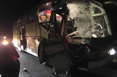 Автобус с болельщиками сборной Гибралтара попал в аварию, один человек погиб