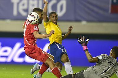 Дуглас Коста принес победу Бразилии над Перу