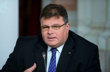 Глава МИД Литвы призвал политически изолировать Россию