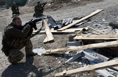 Боевики с раннего утра обстреливают украинских военных - штаб