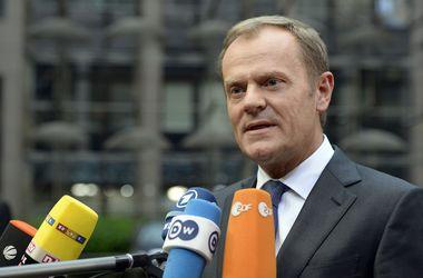 """Стратегия """"давайте подождем и посмотрим"""" в отношении Греции должна закончиться - Туск"""