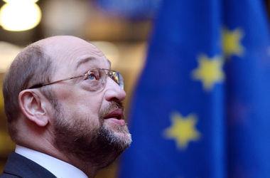 Правительство Греции должно сделать шаг навстречу институтам ЕС - Шульц