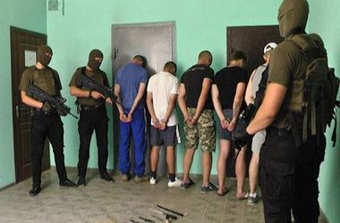 Парней, задержанных за избиение иностранных студентов в Харькове, отпустили