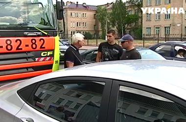 В Киеве снова перекрывали дорогу из-за торговых киосков