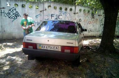 В Киеве патрульные задержали грабителя, угнавшего машину