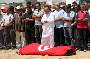 В Тунисе боевик расстрелял туристов в пятизвездочном отеле