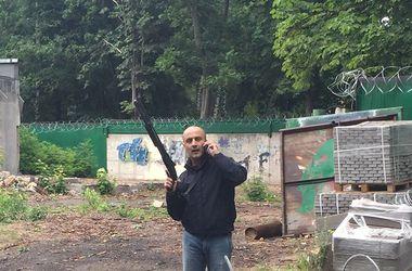 Скандальная стройка на Волгоградской: застройщик сопротивлялся с оружием в руках
