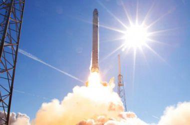 Названа возможная причина взрыва ракеты Falcon 9