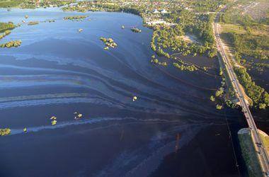 В России произошла масштабная экологическая катастрофа: Югра залита нефтью