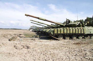 Боевики разгружают большие партии боеприпасов, а стадионы использует для парковки бронетехники - Тымчук