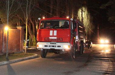 В киевском гараже произошел пожар, трое мужчин получили ожоги