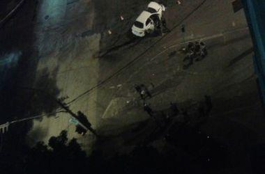 В Мариуполе джип с военными столкнулся с легковушкой