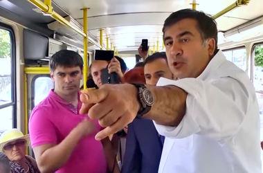 Как Саакашвили живется в Одессе: квартира в элитном районе, внедорожник и поклонницы