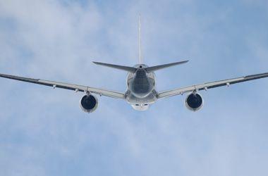 На Мальдивах в океан упал самолет с туристами